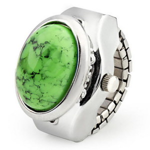 Женские часы-кольцо с овальным камнем